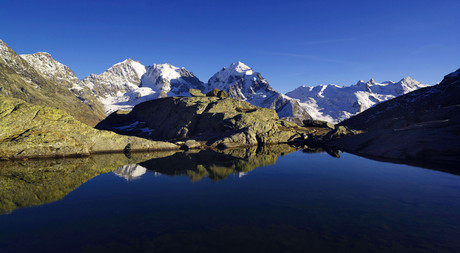 The lakes in Engadin are reachable from Hotel Castell